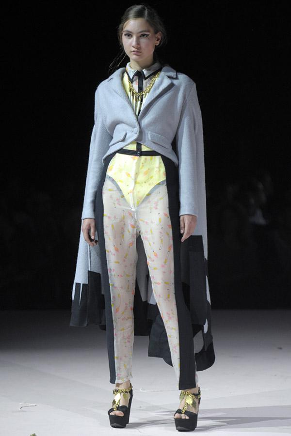 Fashion Show Assistant
