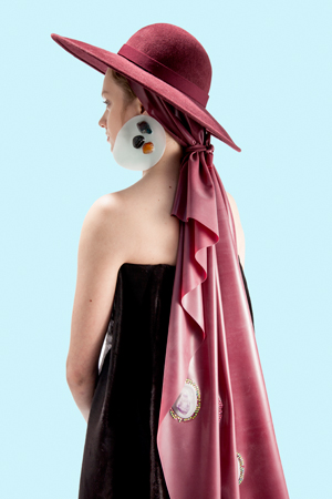 Latex scarf and polyester earrings